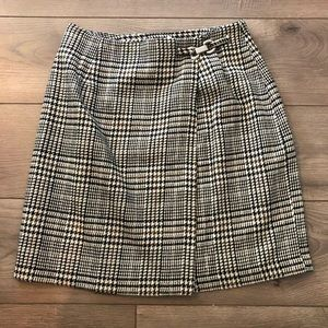 Vintage wool blend houndstooth pencil mini skirt